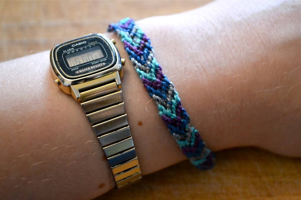 make a friendship bracelet
